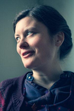 """Alva Dahl: """"Det ligger ett förseglat kuvert i tystnaden"""""""